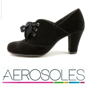 "Aerosoles ""Minor Role"" Tie Pumps"